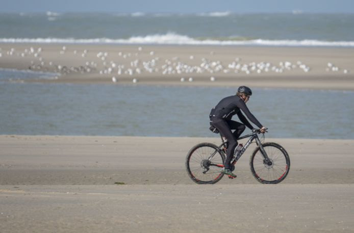 Het Verklikkerstrand met in de verte de zandplaat.