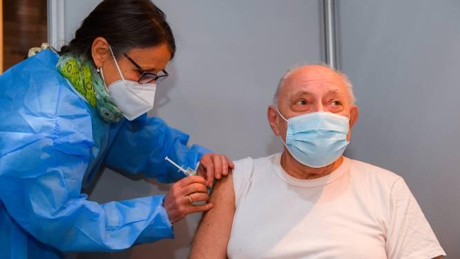 Anderlecht nodigt Brusselse 55-plussers uit om lege vaccinatieslots in Lotto Park donderdag en vrijdag in te vullen