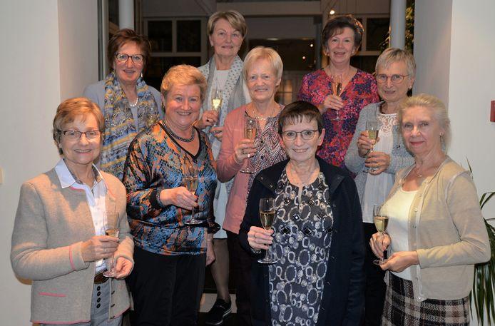 De vijftigste klasreünie werd gevierd in Stuivekenskerke