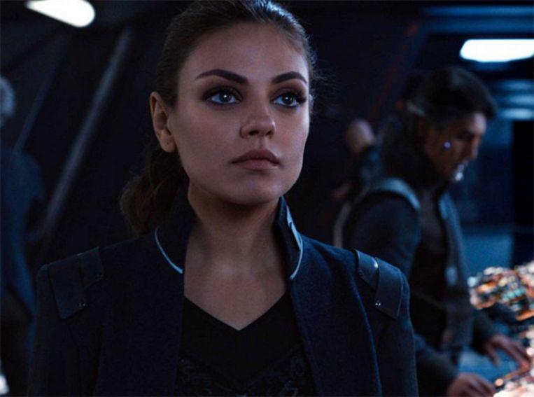 Ook Mila Kunis maakt kans op een Razzie voor haar rol als Jupiter Jones in 'Jupiter Ascending'. Beeld Warner Bros