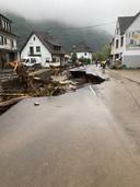 Vernielde weg in Ahrbruck.