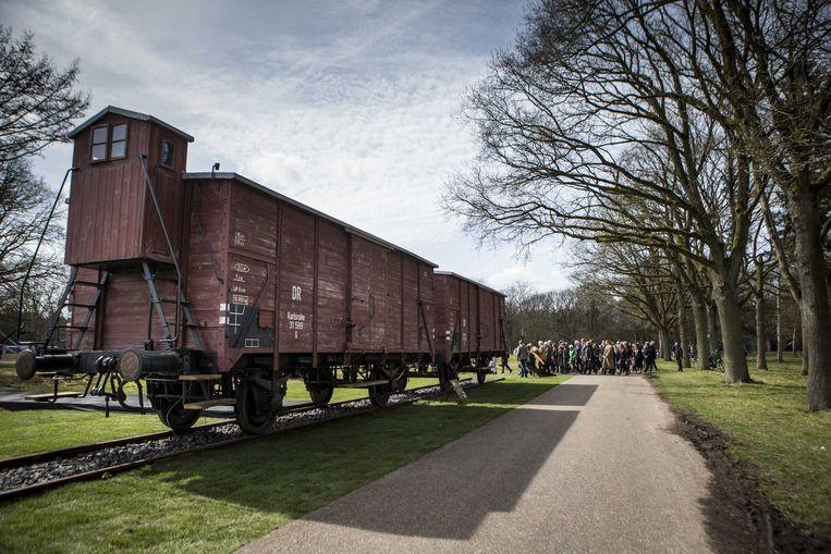 wee originele goederenwagons op het herinneringscentrum Kamp Westerbork. Beeld ANP