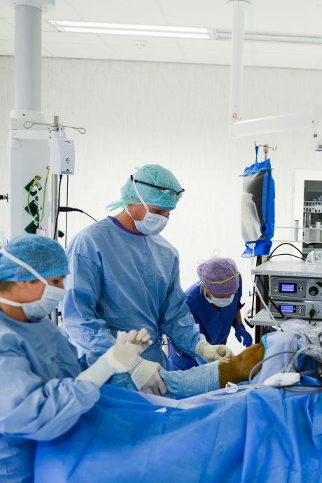 Blijdschap om heropening operatiekamers: 'Iedereen verlangt naar het oude, maar we moeten scherp blijven'