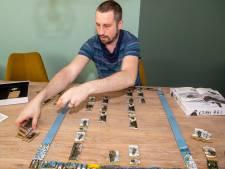 Elwin Klappe (37) uit Dalfsen hoopt de wereld te veroveren met bordspel over Ardennenoffensief