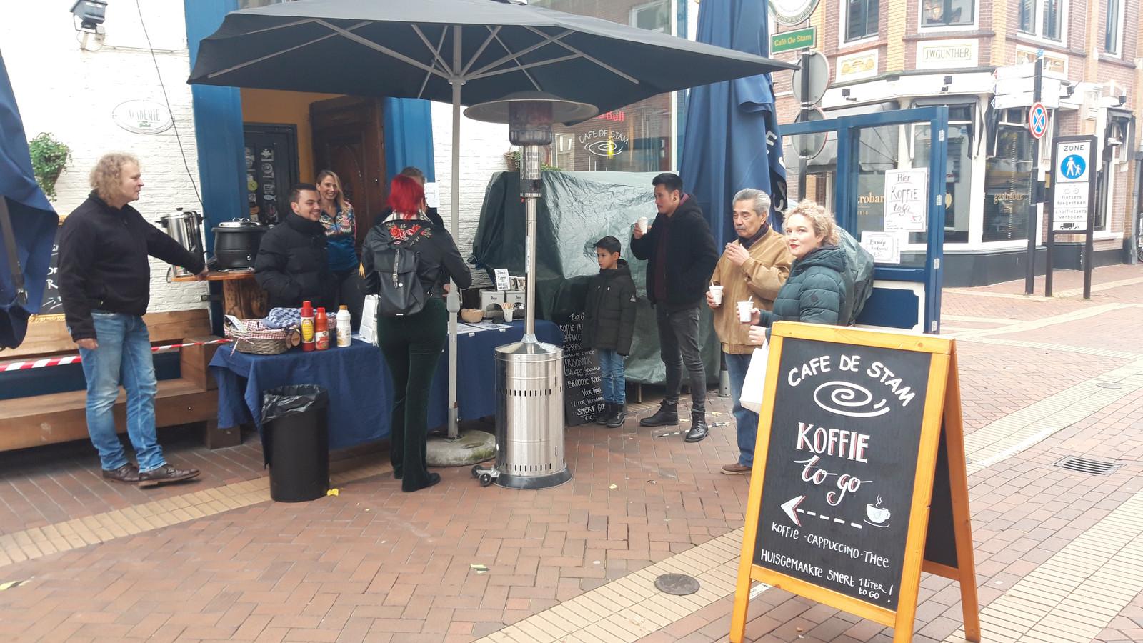 Beeld van het koffie to go-kraampje van café De Stam.
