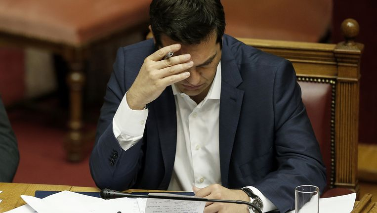 De regering-Tsipras vroeg vandaag om extra hulp maar werd vooral op onbegrip onthaald in de eurogroep. Beeld AP