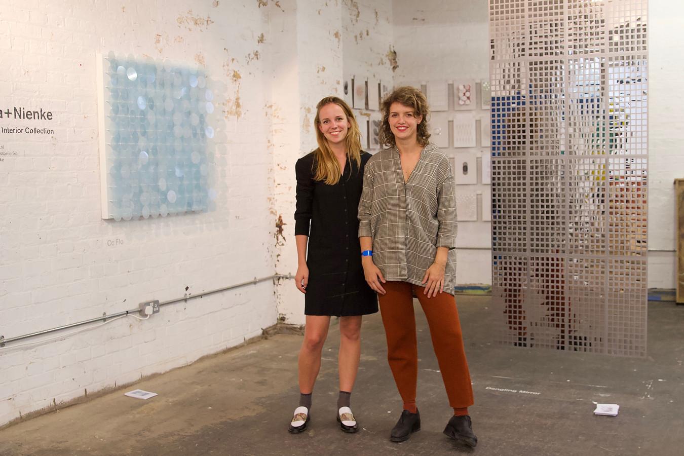 Designersduo Alissa en Nienke op de London Design Fair.