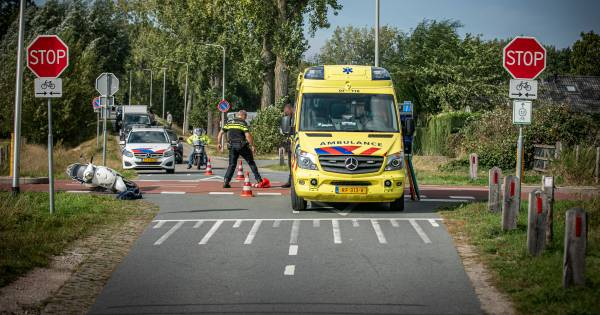 Opnieuw aanrijding op kruising met RijnWaalpad, bestuurder scooter gewond.