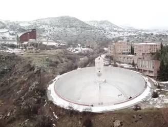 VIDEO. Drone maakt adembenemende beelden van verlaten telescopen in Armenië