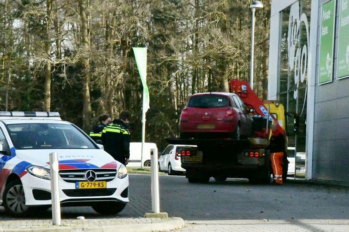 De auto aan de Vlierstraat is afgesleept