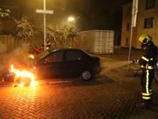 Opnieuw auto in brand gestoken in Laak