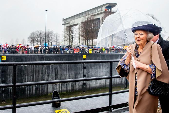 De Prinses Beatrixsluis was in 1938 het eerste bouwwerk dat naar de toen pasgeboren prinses werd genoemd.