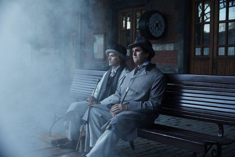 In 'The Happy Prince' kruipt Rupert Everett (r.) in de huid van Oscar Wilde. De schrijver belandde eind negentiende eeuw in de gevangenis door een homorelatie. Beeld RV