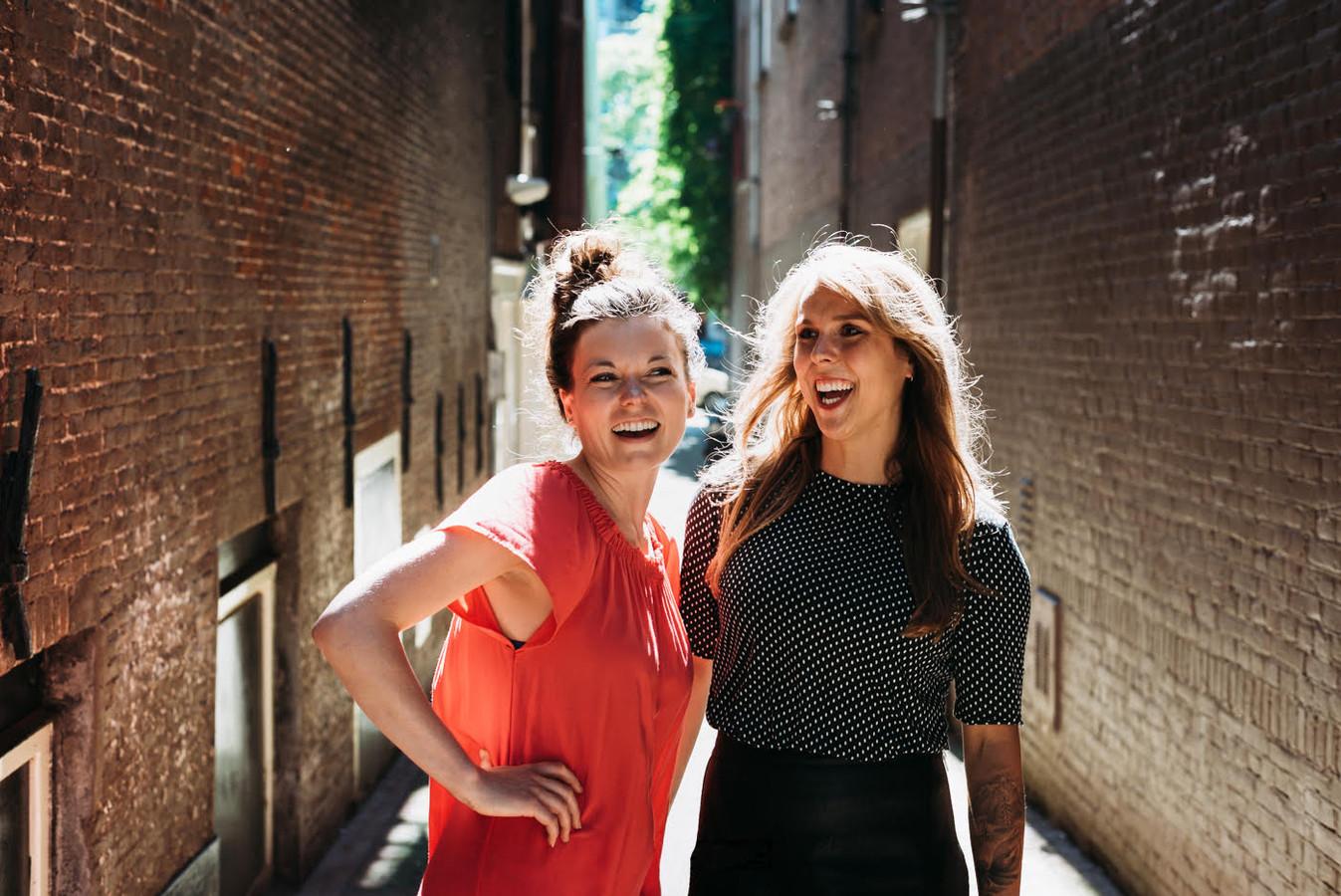 Jennifer Foster en Lianne Koster, auteurs van Het Hagelslag Boek.