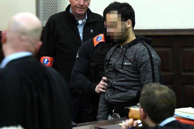 Sofien Ayari bij een vorige zitting van de rechtbank. Beeld BELGA