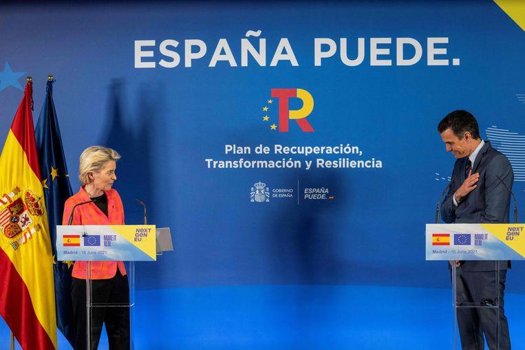 'U kunt naar de bank', zei Europese Commissie-voorzitter Von der Leyen woensdag tegen de Portugese premier Costa. Beeld AFP