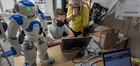 Het Nuenens College is populair tot in verre omgeving: 'Je kunt hier alles doen wat bij je past'