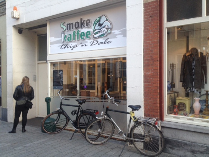 Coffeeshop Chip 'n Dale in de Bossche Hinthamerstraat.