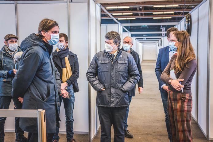 Onder toeziend oog van onder meer de burgemeester, minister Somers, schepen Coddens en minister Beke werd vandaag proefgedraaid in Flanders Expo