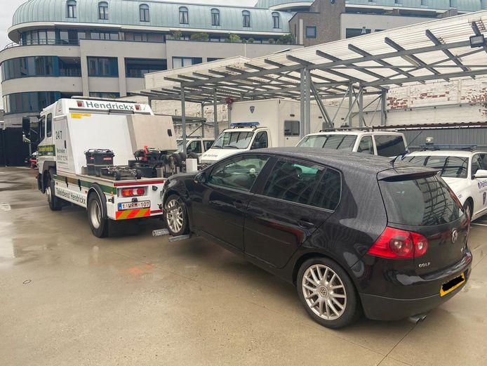 De politie van Mechelen-Willebroek nam het voertuig van de Roemeense chauffeur na zijn dertiende snelheidsovertreding in beslag.