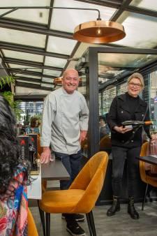 Etalagepoppen zorgen weer voor leven in de brouwerij bij Wapen van Wijchen