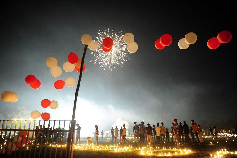 Het vuurwerk in het Madan Mohan Malviya stadion tijdens het Diwali-festival. Beeld afp