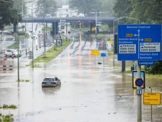 Riemst en Bilzen getroffen door hevige regenval, Nederlandse snelweg volledig versperd
