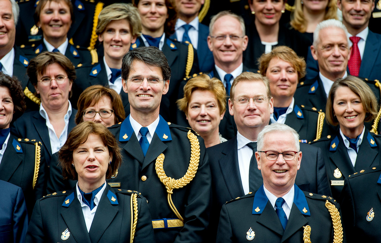 Erik Akerboom wordt tijdens een ceremoniële bijeenkomst op 23 maart 2016 in de Ridderzaal officieel geïnstalleerd als chef van de Nationale Politie.  Beeld ANP