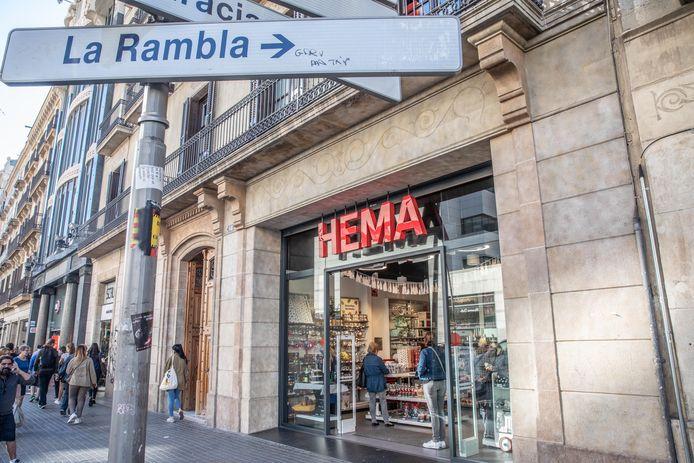 De Hema is nu nog in hartje Barcelona te vinden, maar in 2022 sluiten alle vestigingen van het warenhuis in Spanje.