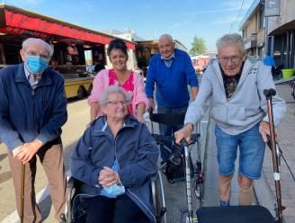 """Van """"stomverbaasd"""" tot """"veel meer ruimte"""": zo reageren de bezoekers op de nieuwe locatie van de Torhoutse woensdagmarkt"""
