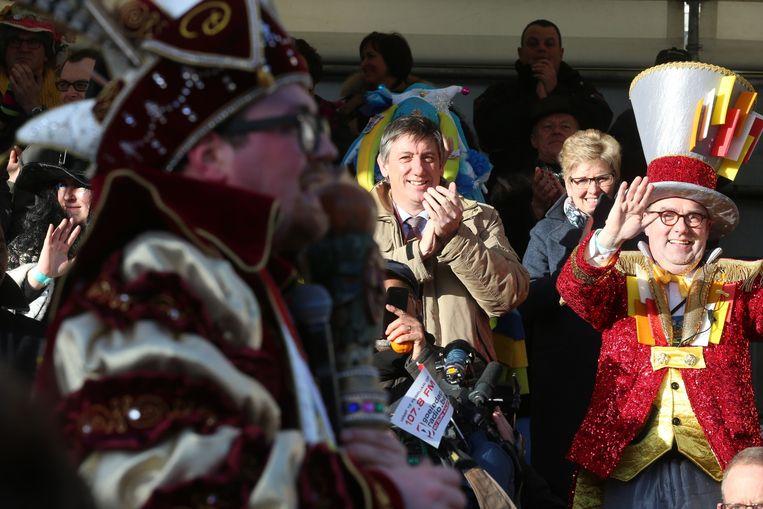 Minister van Binnenlandse Zaken en Veiligheid, Jan Jambon, is zelf naar de feestelijkheden in Aalst getrokken. Beeld belga
