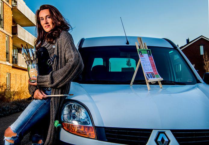 Na de inbraak werd Ankie De Groot-Winkelman van de Kunstbus direct door allerlei mensen in haar omgeving geholpen. Zo kreeg ze een Renault Kangoo om haar werk voort te zetten. Ondertussen is er nog veel verdriet na de inbraak in de veertig jaar oude Volkswagenbus.