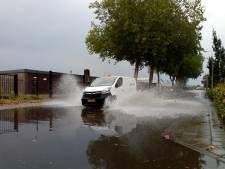 Hoosbui zet straten blank op Veluwe en in Kampen