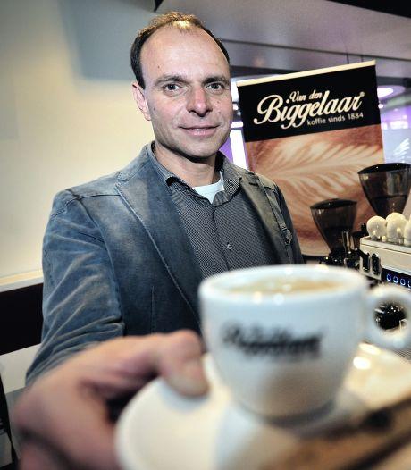 Van den Biggelaar brandt zijn koffiebonen weer in Roosendaal: 'Genoeg voor 18.000.000 kopjes koffie per jaar'