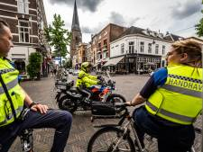 Politie heeft handen vol aan overlast rond Arnhemse AH: 'Haal goedkope blikken bier uit de schappen'