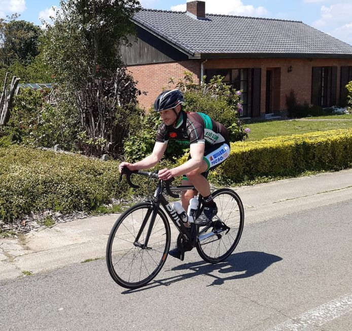 Wim Claessens reed zaterdag 239 keer de Sigarenberg in Winksele op.