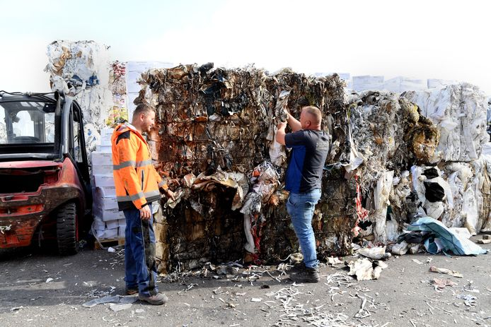 Recycling Continue in Oosterhout.