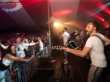 Nieuw-Dijk vierde zaterdag eindelijk weer het LuDieks Tentfeest: 'Binnen no time uitverkocht'