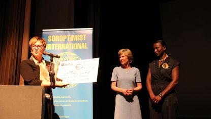 Soroptimist geeft 2.000 euro aan Toogal Djangue