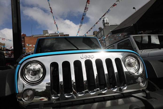 Een Jeep te koop bij een Fiat Chrysler-dealer.