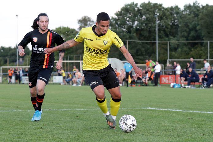 Joel Roeffen is een rechtervleugelverdediger, ook hij speelde in de voorbereiding mee met het eerste elftal.
