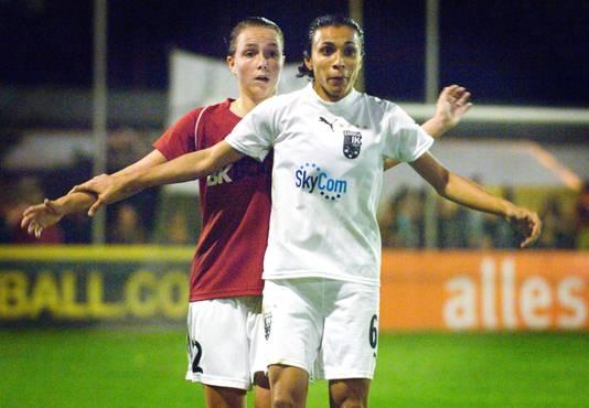 2006: Marta in actie in Zeist in de kwartfinale van de Europa Cup: Saestum - Umea IK.