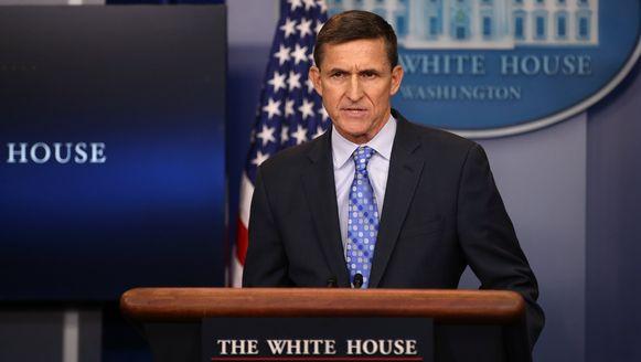 Veiligheidsadviseur Michael Flynn stapte op nadat hij in opspraak raakte toen uitkwam dat hij over de sancties jegens Rusland zou hebben gepraat met de Russische ambassadeur in de Verenigde Staten toen Barack Obama nog president was.