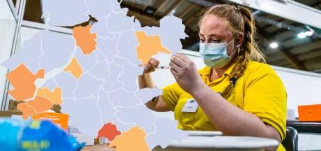 KAART   Besmettingscijfers in Oost-Nederland stijgen tegen landelijke trend in, Brummen valt vooral op
