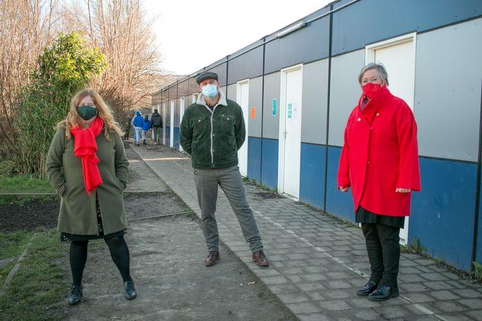 Directeurs Sandra Flamen van Villa Da Vinci, Sven Debruyn van De Ark en Nora De Caluwé van GO! Scholengroep Waasland.