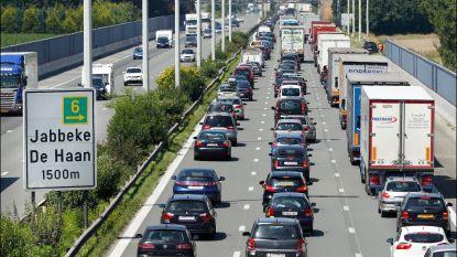 Vakantie-uittocht in volle gang: meer dan 180 km file, Brusselse ring staat helemaal vast, ook lang aanschuiven naar Antwerpen