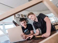 Beekse Stijn en Thomas schitteren tijdens alternatieve techniekdag: 'Dat doen ze normaal bij auto's die in de brand staan'