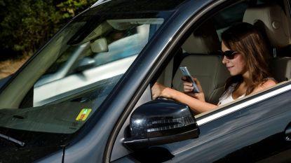 Vijftig bestuurders krijgen boete van 116 euro voor gsm-gebruik achter het stuur