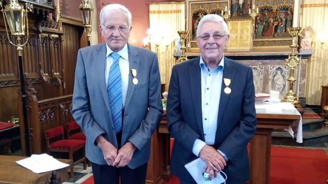 Leden Poeselse kerkfabriek gehuldigd voor jarenlange inzet
