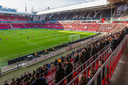 PSV-FC Groningen: er waren voor het eerst in zeven maanden weer supporters bij de wedstrijd.